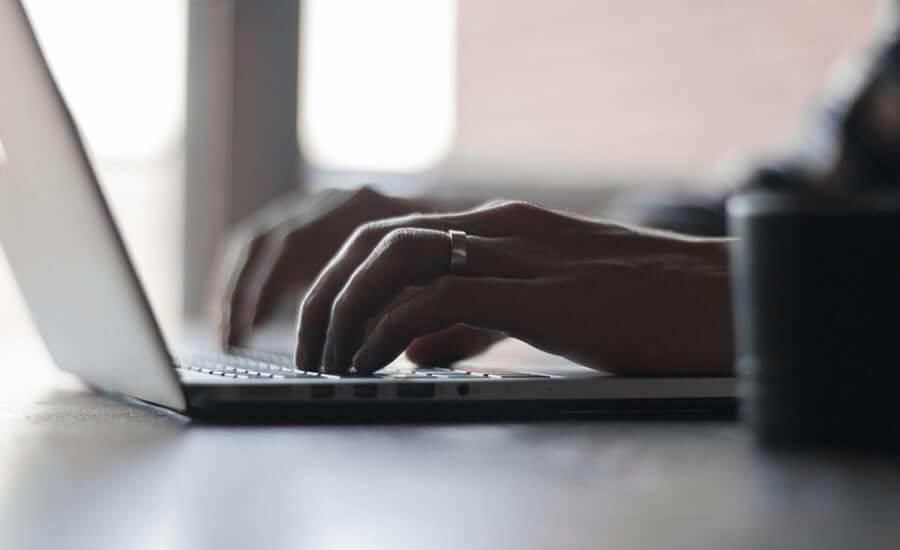 Salesforce pemite informes on-line analizando lo sucedido para ofrecer una previsión para los meses siguientes.
