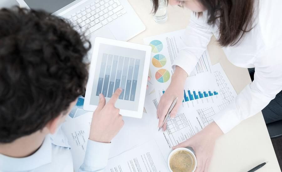 Para una empresa minorista, la eficacia del servicio en la nube permite trabajar desde cualquier dispositivo, en todo momento;