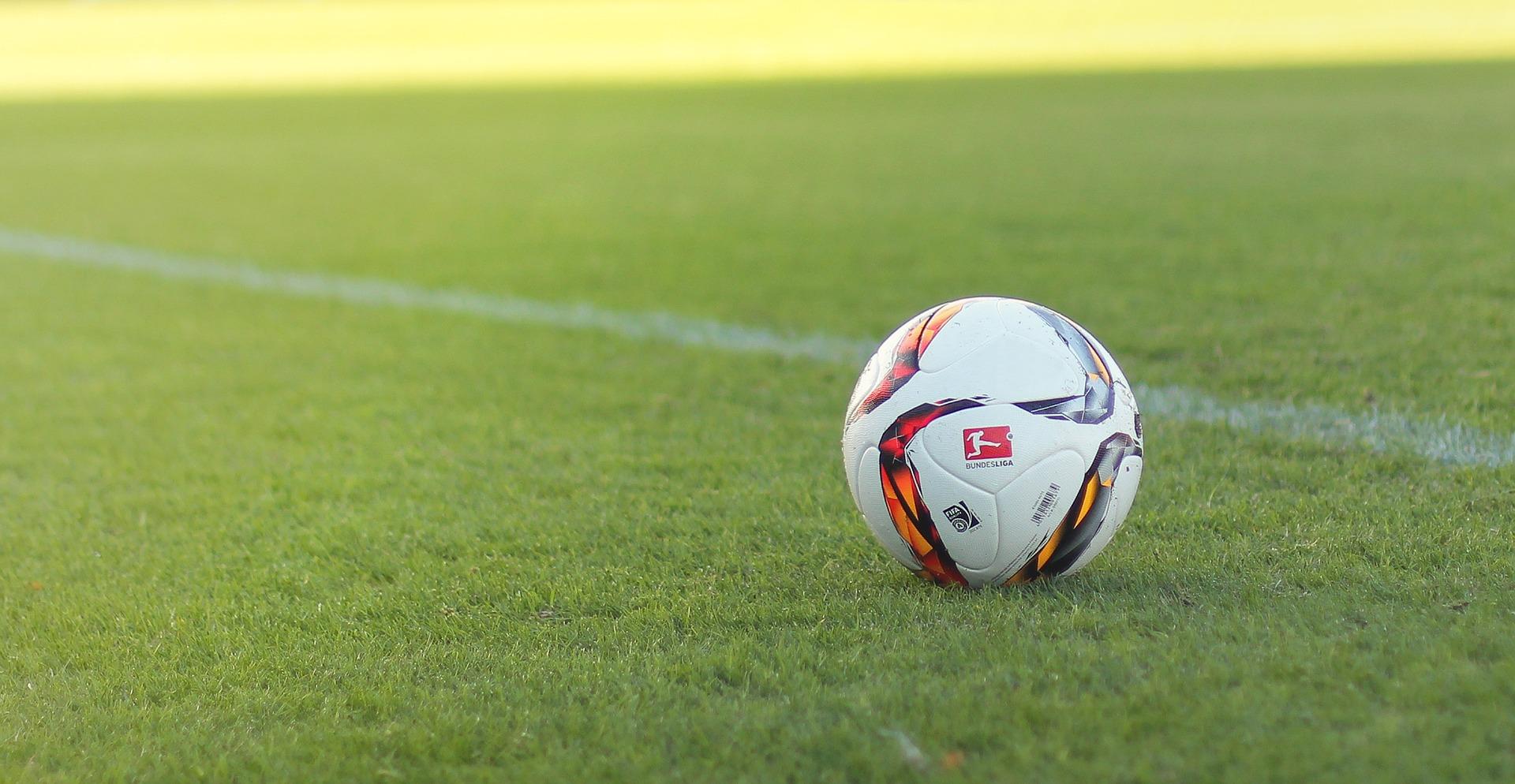 La Bundesliga se alía con AWS para ofrecer nuevas experiencias y contenidos a sus espectadores. - Clarcat